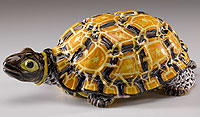 Picture: Tortoise-shaped bowl